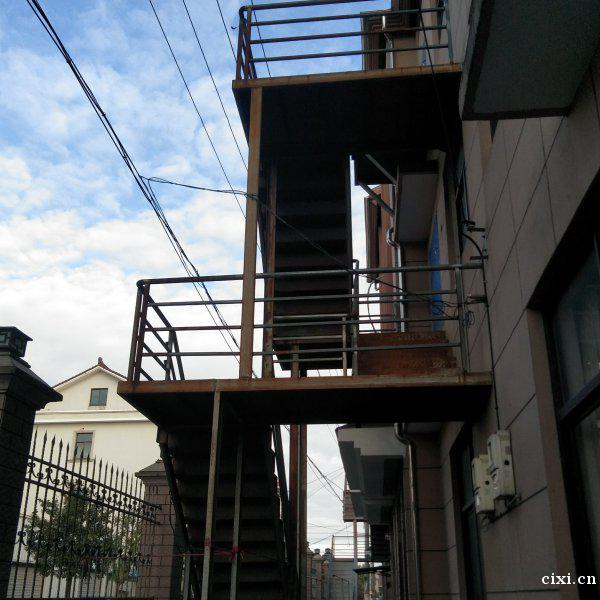 慈溪胜山镇有一套520平方房屋出租